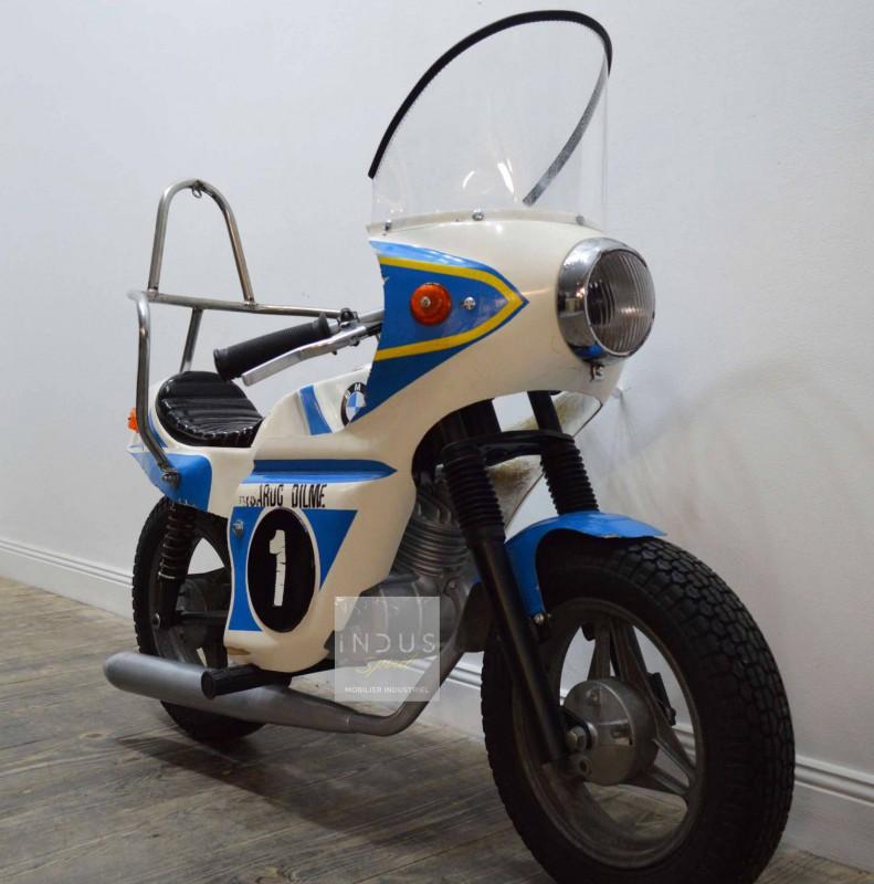 Ancienne moto de manège BMW