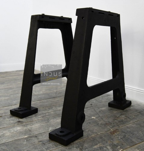 Ancien pied en fonte pour table industrielle