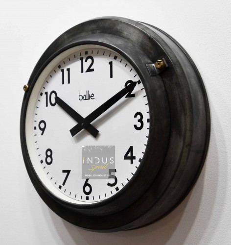 Horloge Brillié