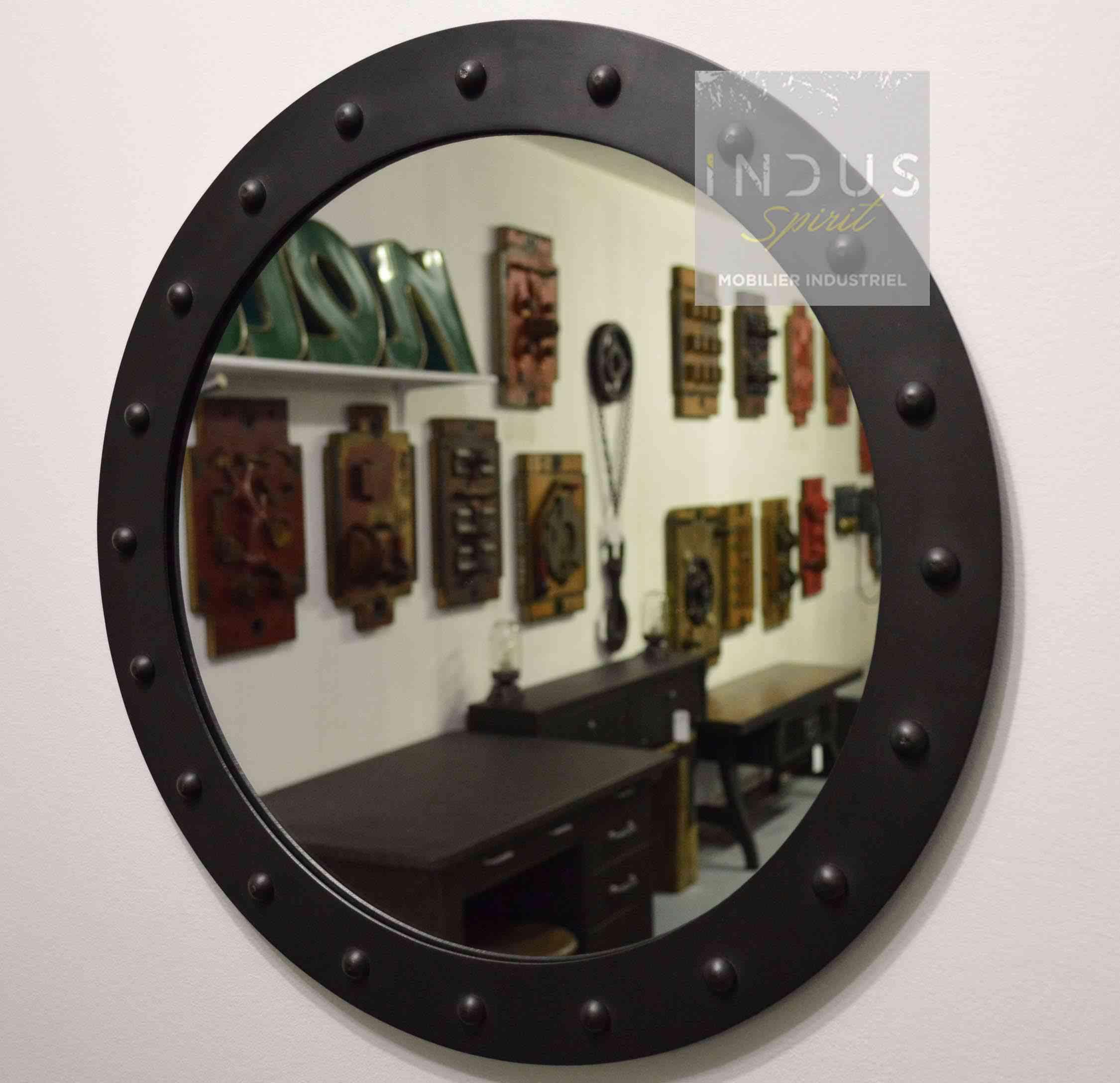 miroir-rond-industriel-sur-mesure.jpg
