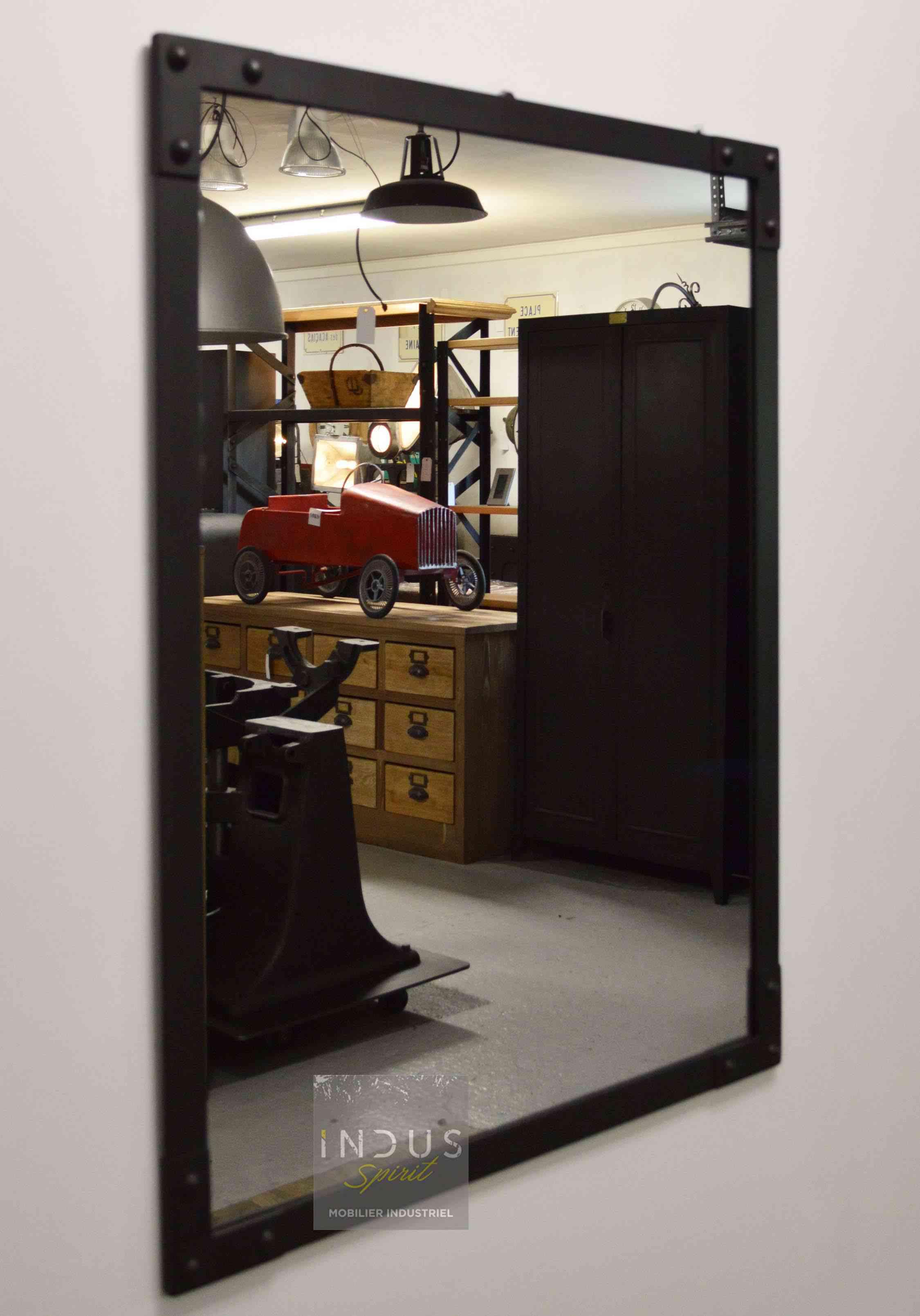 miroir-style-industriel-sur-mesure.jpg