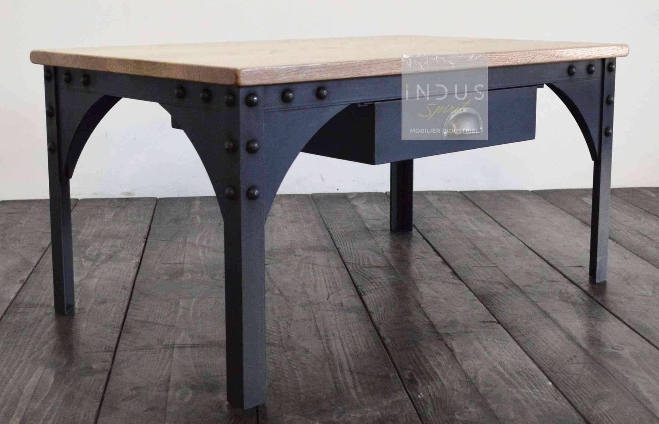 table-basse-industrielle-sur-mesure.jpg