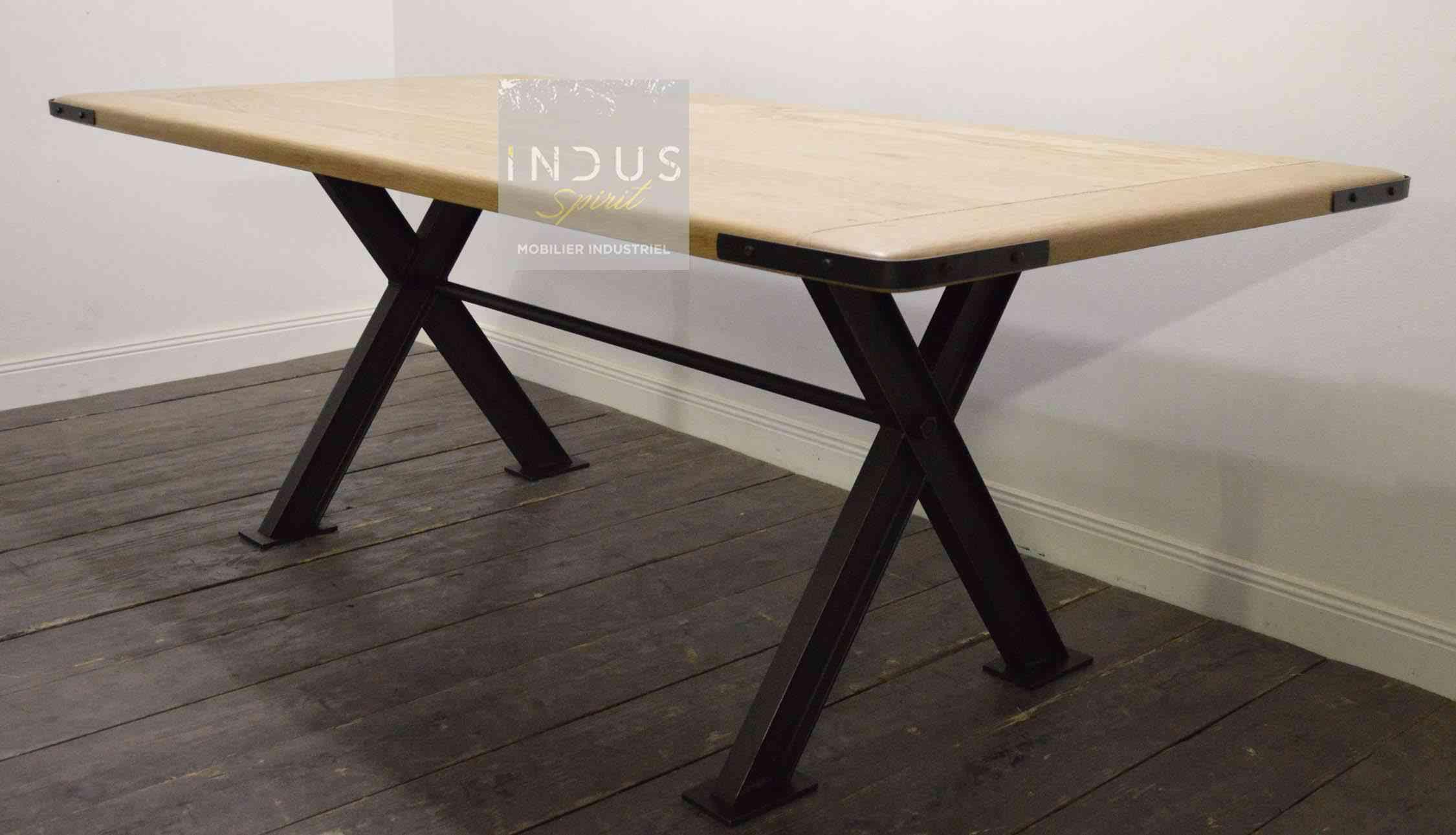 table-industrielle-sur-mesure.jpg